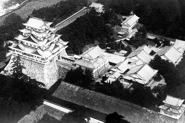 Hommaru Palace and Nagoya Castle(Before destruction by fire)[2/18]